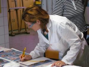Monika Fobbe-Reuter bei der Arbeit